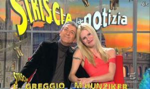 Michelle Hunziker dans Striscia la Notizia - 16/02/12 - 14