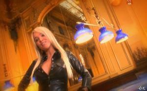 Virginie Caprice dans Paparanews - 11/04/09 - 09
