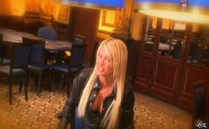 Virginie Caprice dans Paparanews - 11/04/09 - 18