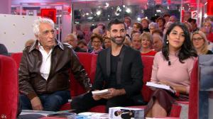 Leïla Bekhti dans Vivement Dimanche Prochain - 25/10/15 - 11