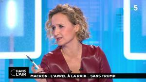 Caroline Roux dans C dans l'Air - 12/11/18 - 02