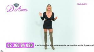Emanuela Botto dans Télévendita Per d'Anna - 07/12/18 - 02