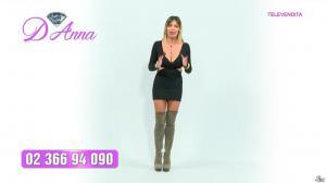 Emanuela Botto dans Télévendita Per d'Anna - 07/12/18 - 03