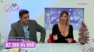 Emanuela Botto dans Télévendita Per d'Anna - 07/12/18 - 04