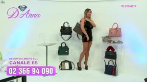 Emanuela Botto dans Télévendita Per d'Anna - 08/12/18 - 05