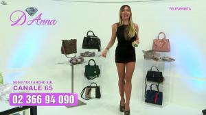Emanuela Botto dans Télévendita Per d'Anna - 08/12/18 - 06