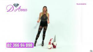 Emanuela Botto dans Télévendita Per d'Anna - 13/12/18 - 01