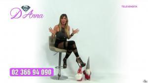 Emanuela Botto dans Télévendita Per d'Anna - 13/12/18 - 03