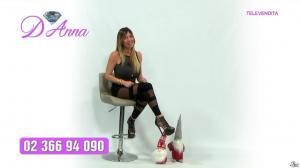 Emanuela Botto dans Télévendita Per d'Anna - 13/12/18 - 04