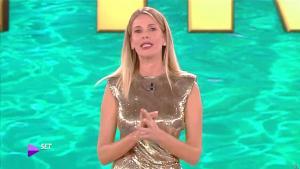 Alessia Marcuzzi dans l'Isola Dei Famosi - 01/04/19 - 04