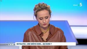 Caroline Roux dans C dans l'Air - 02/12/19 - 01