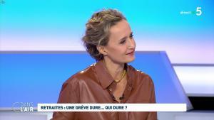 Caroline Roux dans C dans l'Air - 02/12/19 - 02