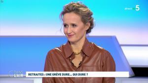 Caroline Roux dans C dans l'Air - 02/12/19 - 04