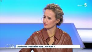 Caroline Roux dans C dans l'Air - 02/12/19 - 06