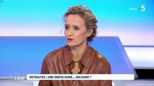 Caroline Roux dans C dans l'Air - 02/12/19 - 09
