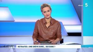 Caroline Roux dans C dans l'Air - 02/12/19 - 11