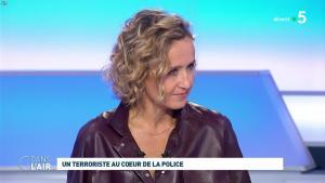 Caroline Roux dans C dans l'Air - 07/10/19 - 06