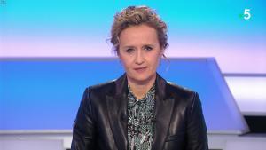Caroline Roux dans C dans l'Air - 09/12/19 - 01