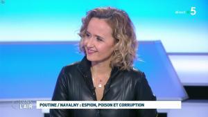 Caroline Roux dans C dans l'Air - 28/01/21 - 05