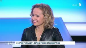 Caroline Roux dans C dans l'Air - 28/01/21 - 27