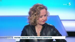Caroline Roux dans C dans l'Air - 28/01/21 - 29