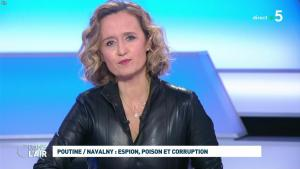 Caroline Roux dans C dans l'Air - 28/01/21 - 38