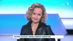Caroline Roux dans C dans l'Air - 28/01/21 - 59