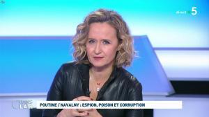 Caroline Roux dans C dans l'Air - 28/01/21 - 61