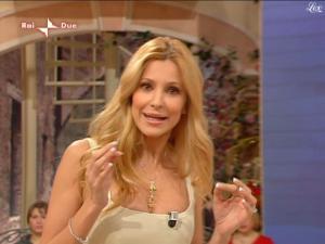 Adriana-Volpe--I-Fatti-Vostri--07-12-09--4