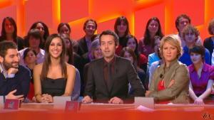 Elise Chassaing dans le Grand Journal De Canal Plus - 02/02/10 - 2