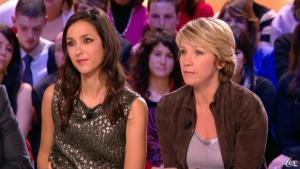 Elise Chassaing dans le Grand Journal De Canal Plus - 05/02/10 - 2