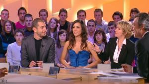 Elise Chassaing dans le Grand Journal De Canal Plus - 09/02/10 - 1