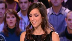 Elise Chassaing dans le Grand Journal De Canal Plus - 11/02/10 - 2
