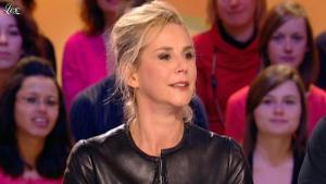 Laurence Ferrari dans le Grand Journal de Canal Plus - 03/02/12 - 02