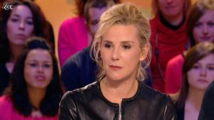Laurence Ferrari dans le Grand Journal de Canal Plus - 03/02/12 - 03