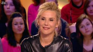 Laurence Ferrari dans le Grand Journal de Canal Plus - 03/02/12 - 18