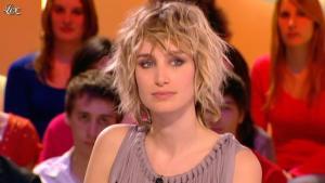 Pauline Lefèvre dans le Grand Journal de Canal Plus - 22/03/12 - 03