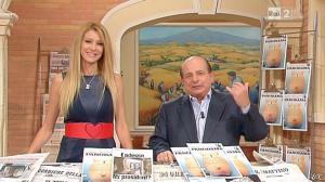 Adriana Volpe dans I Fatti Vostri - 08/11/12 - 07