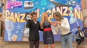 Adriana Volpe dans I Fatti Vostri - 08/11/12 - 12