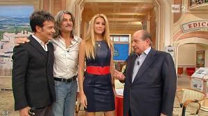 Adriana Volpe dans I Fatti Vostri - 08/11/12 - 15