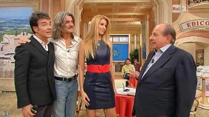 Adriana Volpe dans I Fatti Vostri - 08/11/12 - 16