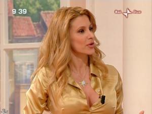 Adriana Volpe dans Mattina in Famiglia - 26/01/08 - 12