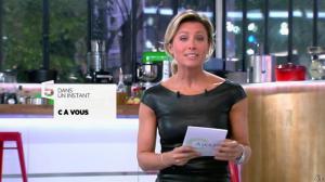 Anne-Sophie Lapix dans C à Vous - 04/10/13 - 02