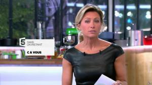 Anne-Sophie Lapix dans C à Vous - 04/10/13 - 04