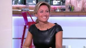 Anne-Sophie Lapix dans C à Vous - 04/10/13 - 18