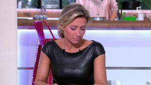 Anne-Sophie Lapix dans C à Vous - 04/10/13 - 21