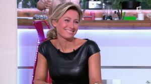Anne-Sophie Lapix dans C à Vous - 04/10/13 - 22