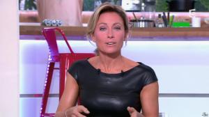Anne-Sophie Lapix dans C à Vous - 04/10/13 - 27