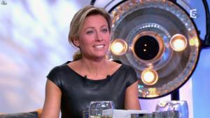 Anne-Sophie Lapix dans C à Vous - 04/10/13 - 41