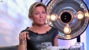 Anne-Sophie Lapix dans C à Vous - 04/10/13 - 42